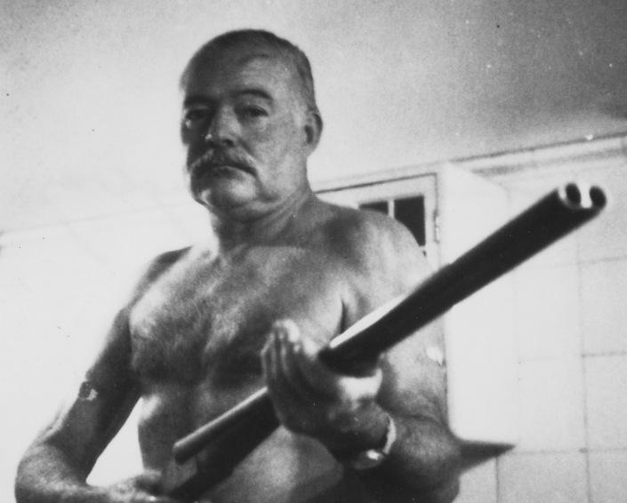 Ernest_Hemingway_blogger